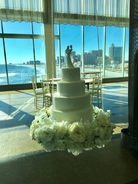 Hanging Cake 1 - Wedding Cake