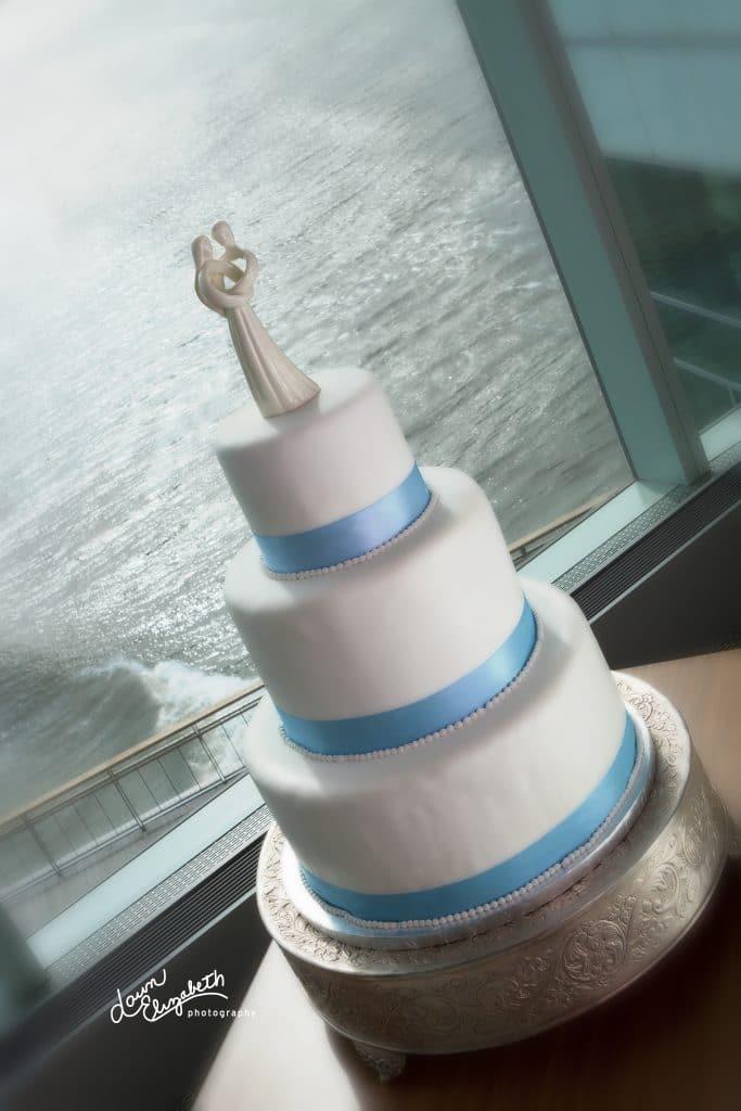 IMG 8357 rt 1 683x1024 - Wedding Cake