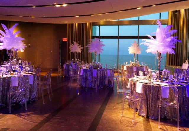 Feather centerpieces Gatsby look - Receptions
