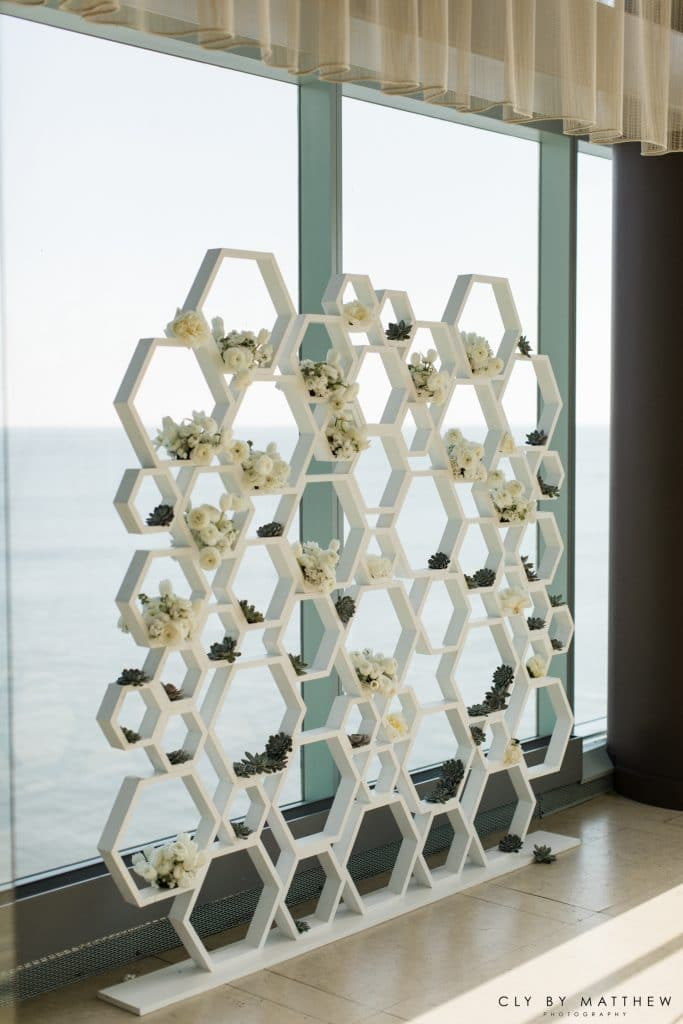 The Knot Flower Wall 683x1024 - Details